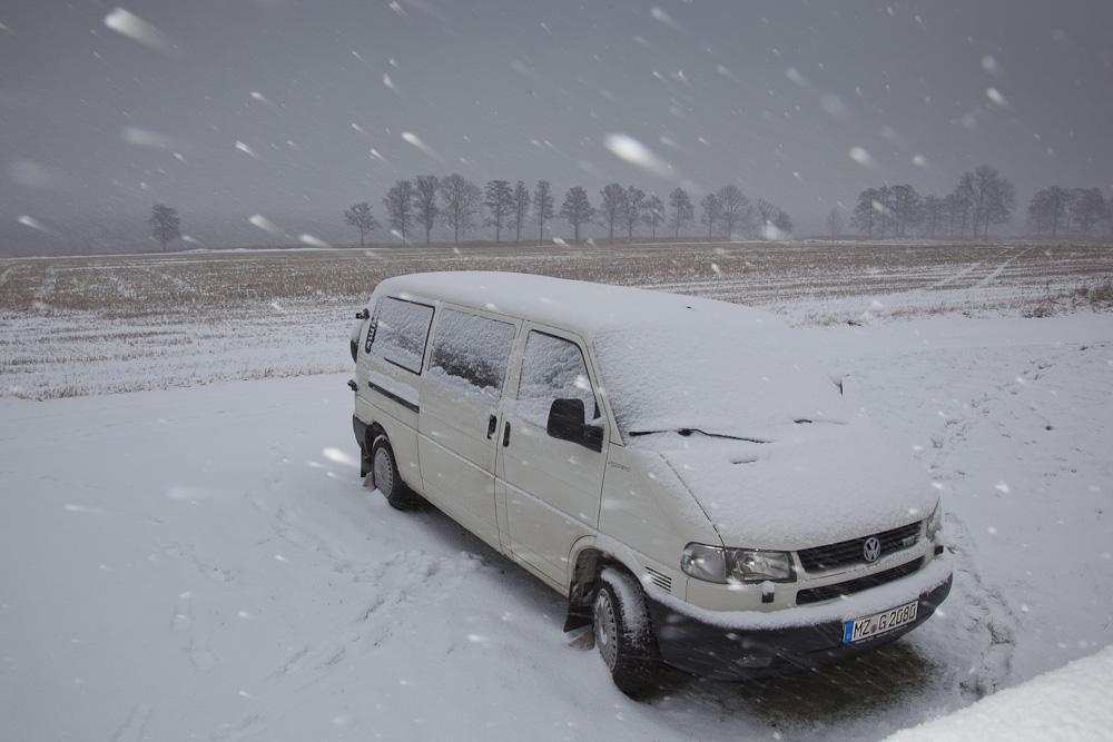 Schneefall und VW T4