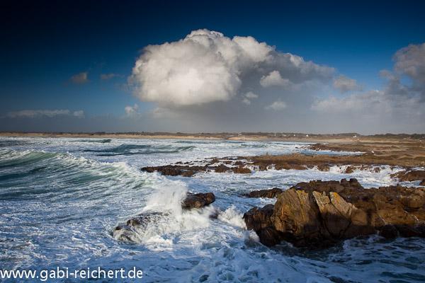 dicke Wolken, wilde Wellen