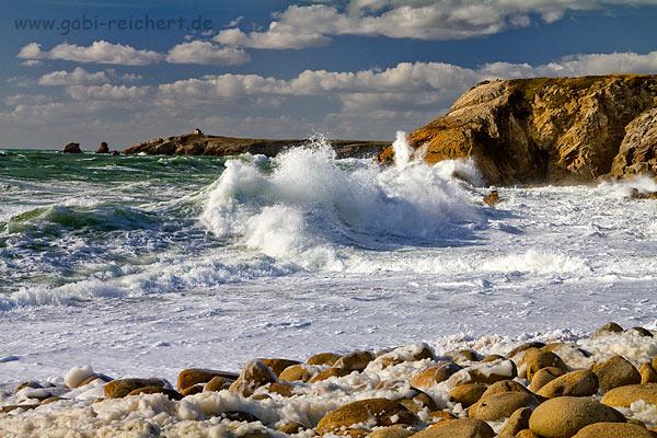 hohe Wellen an der Cote Sauvage