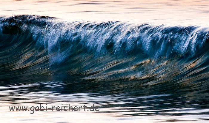 Welle in der Nacht, Bretagne