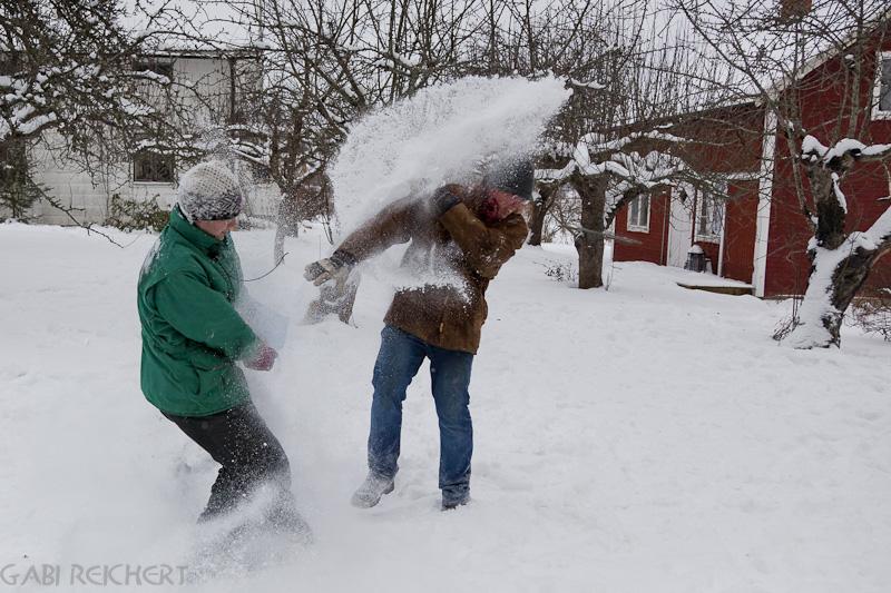 und die Rache mit der Schneeschippe