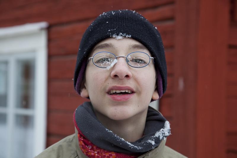 Noah hat einen Schneeball abbekommen