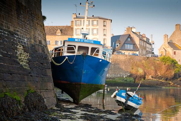 im Hafen von Le Conquet am Morgen, Bretagne, Frankreich
