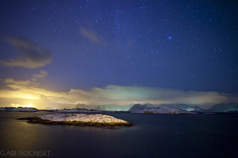 Sterne über dem Fjord