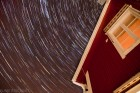 Sternenbahnen in der kalten Nacht