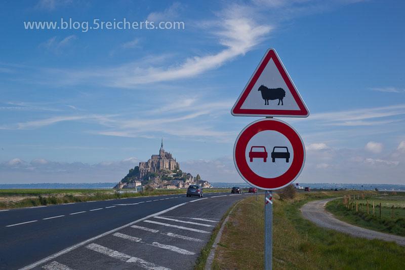 Mt St Michel und Schilder