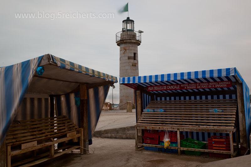 Leuchtturm und Austernstände