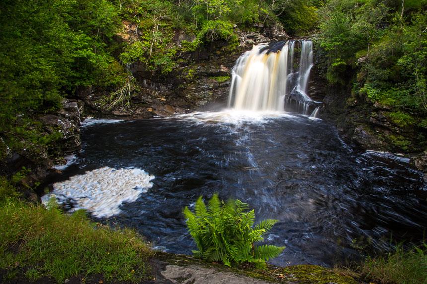 Bei Bächen und Wasserfällen reichen auch relativ kurze Belichtungszeiten
