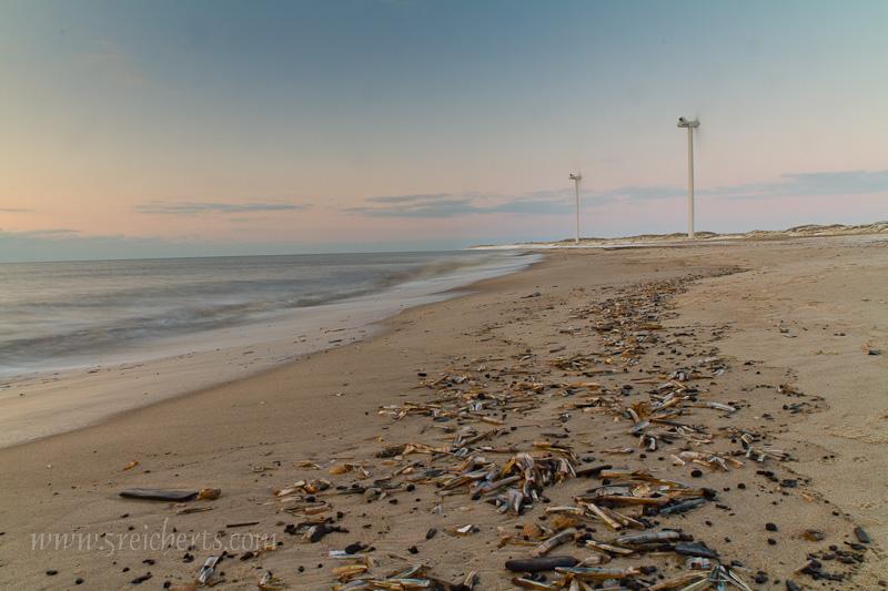 Strand und Windräder