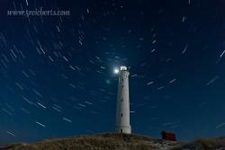Leuchtturm Lyngvig Fyr in der Nacht