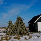Holzgestelle zum Fischernetz flicken