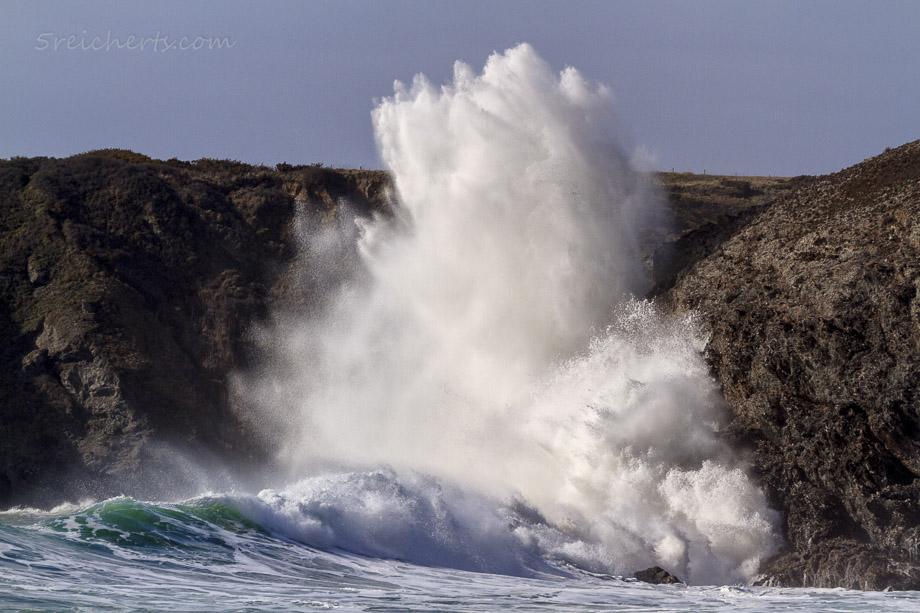 Brandung der Wellen am Strand von Baluden