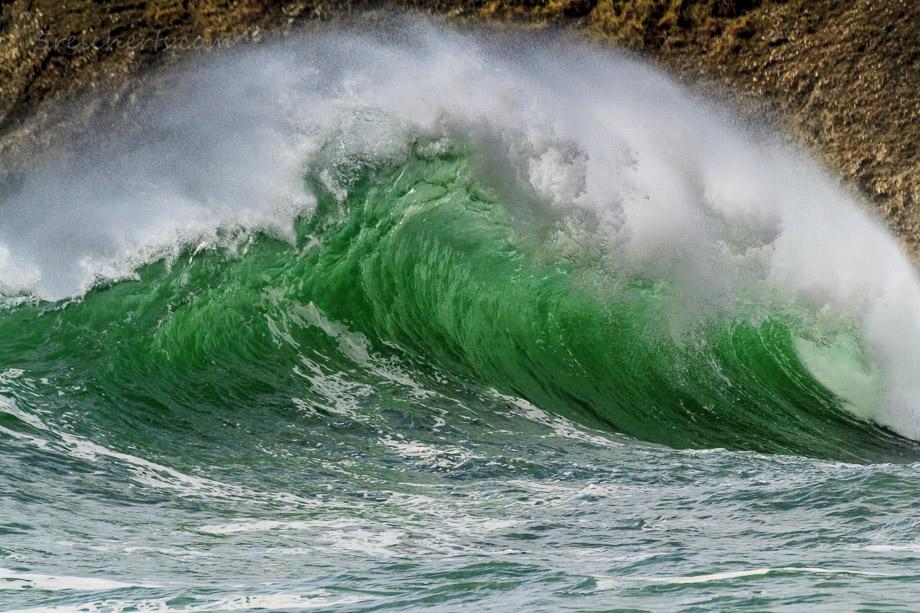 Gewaltige grüne Welle in Baluden, Belle Ile