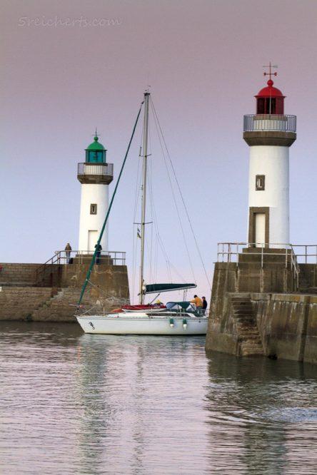 Die Hafenleuchttürme von Le Plalais, Belle Ile, Bretagne, Frankreich