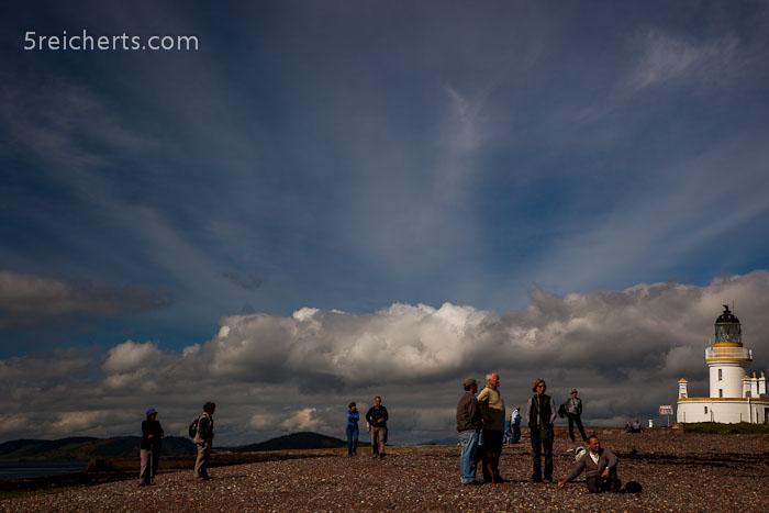 Wolken am Strand von Channonry Point, Schottland