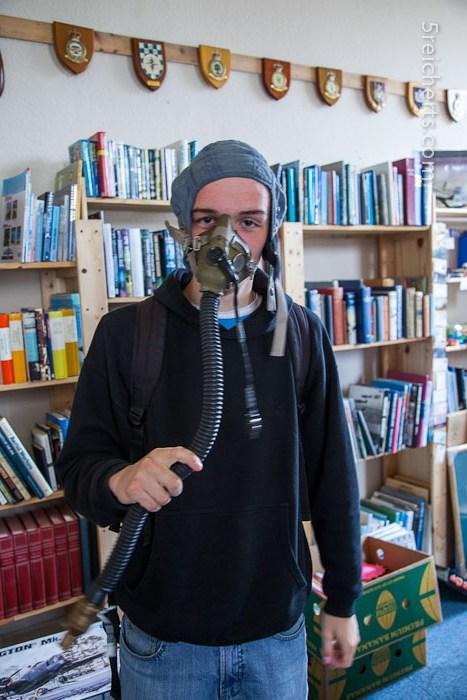 Esra mit einer Sauerstoffmaske