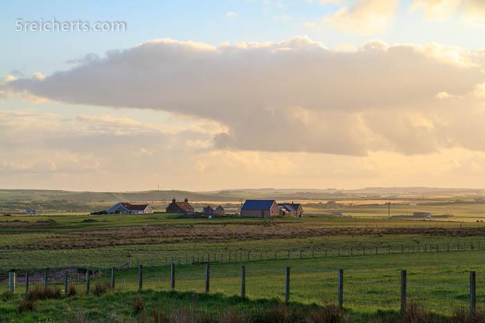 Farmen und Wolken