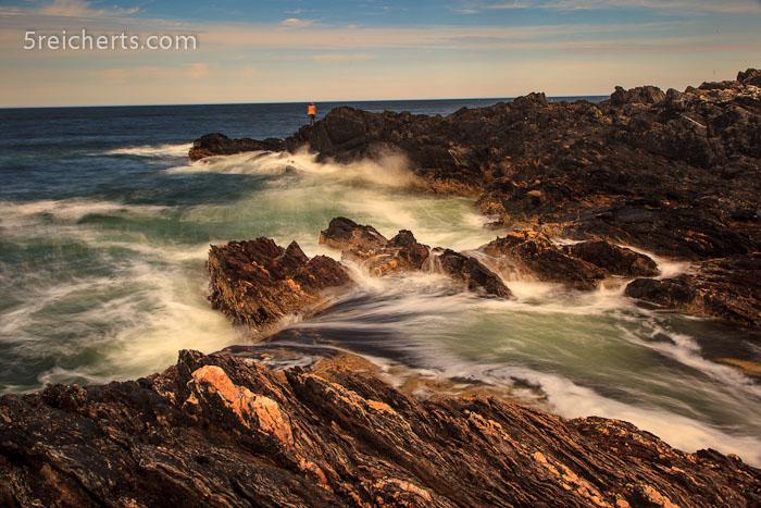gewaltige Wellen - als Größenvergelich ein Angler!