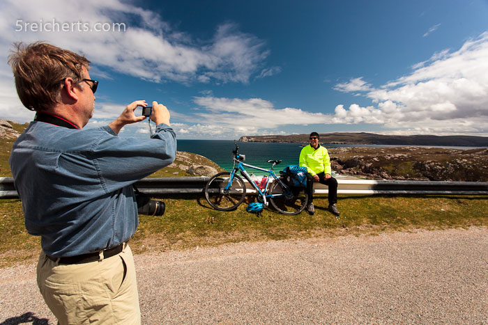 Gunter fotografiert einen Radwanderer