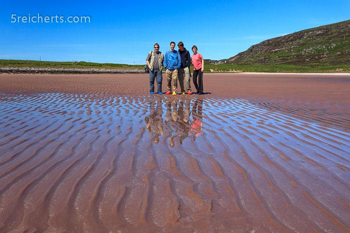 Vier Reicherts am weiten Sandstrand kurz vor Applecross