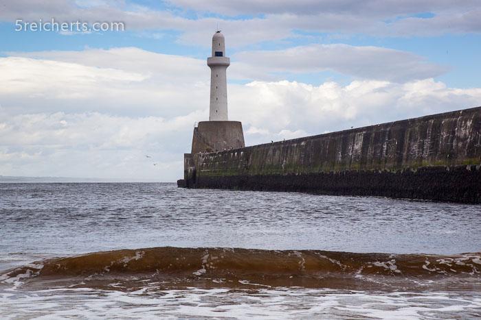 Leuchtturm an der Hafeneinfahrt von Aberdeen
