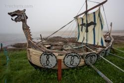 Ein Wikingerboot im Hafen von Cruden Bay
