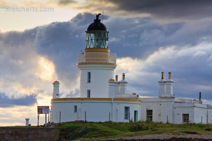 Warum schauen die Besucher dieses Strandes nur selten Richtung Leuchtturm?