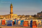 Strandkörbe und Leuchtturm, Warnemünde
