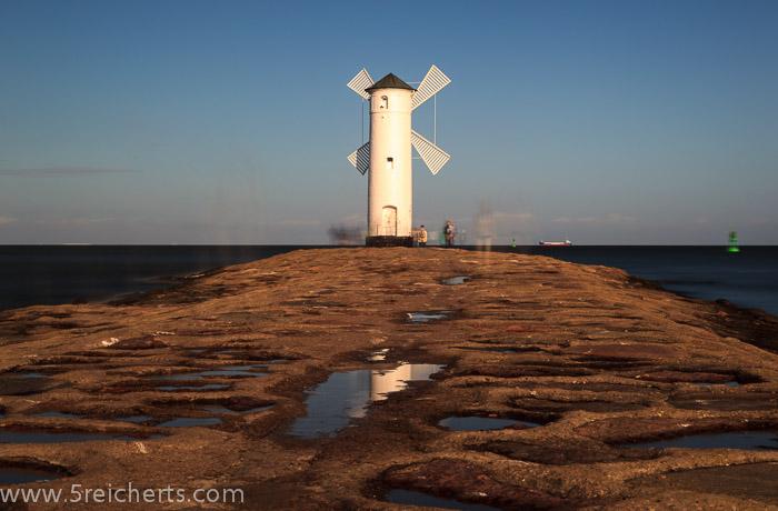 mir gefiel ja diese Mole zum Leuchtturm, Swinemünde, Polen