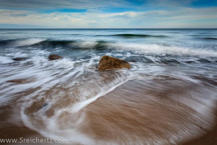 Wellen am Sandstrand, Kreptitzer Heide, Insel Rüge, Ostsee