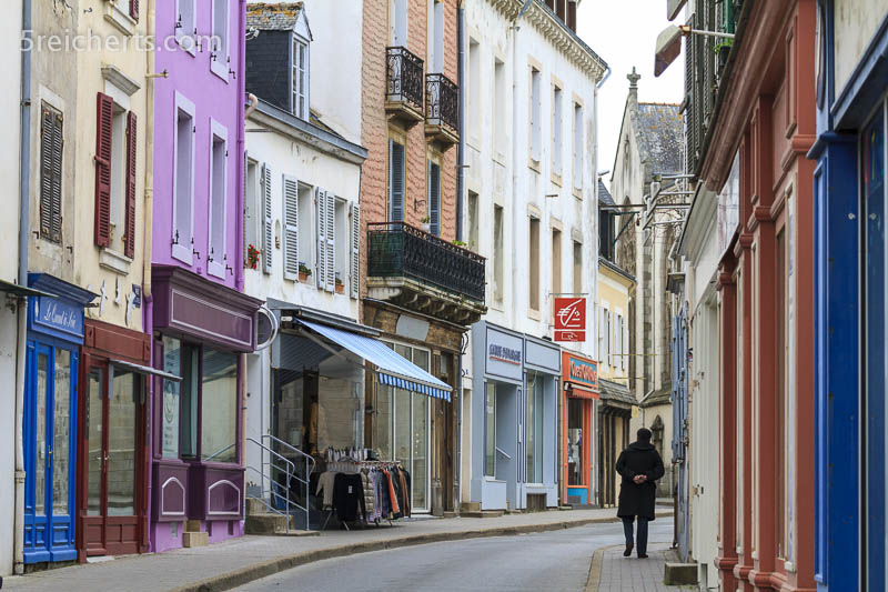 Enge Gassen und bunte Häuser, Belle Ile, Bretagne