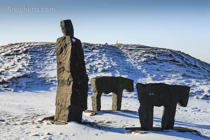 Skulpturen vor dem Leuchtturm, Bovbjerg, Dänemark