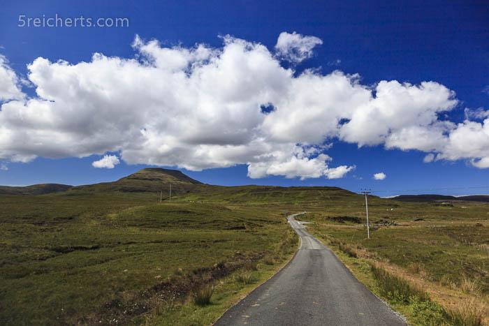 Straße zum Neist Point auf der Isle of Skye, Schottland