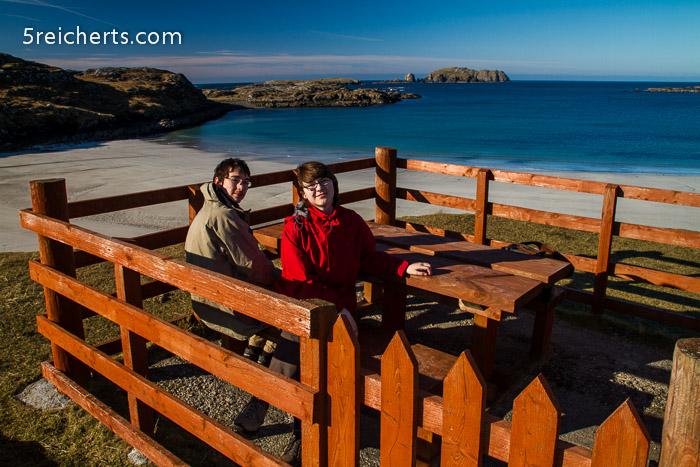 Noah und Amy in der Picknick Kabine :-)