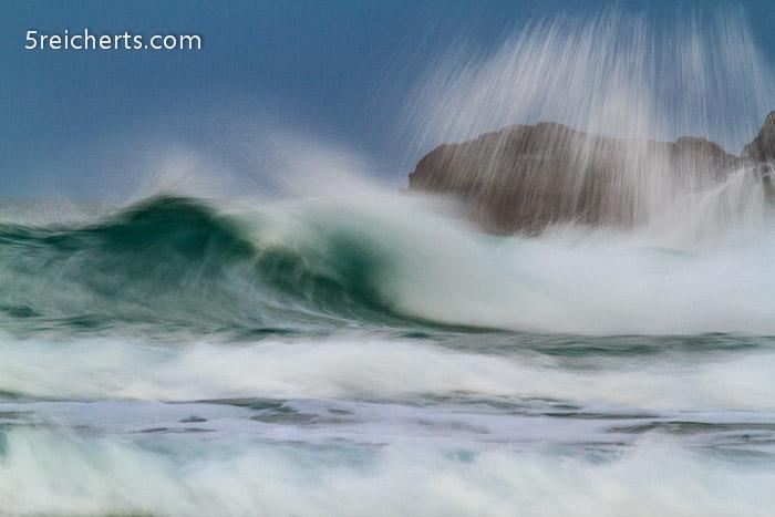 Wellen nach Sonnenuntergang