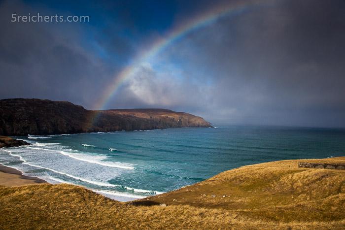 Regenbogen über weitem Strand, Uig, Isle of LEwis