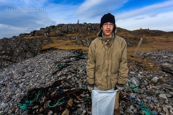 Noah und der Müll am Strand