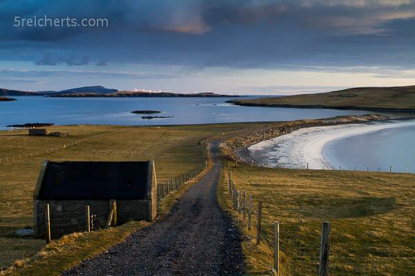 Blick auf den Bannaminn Beach, Burra, Shetland