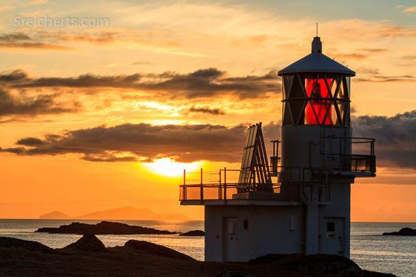 Leuchtturm und Insel Foula, Shetland
