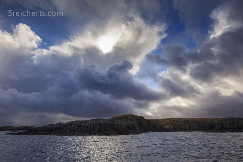 Wolken über Shetland, Bootsfahrt mit der Dunter III