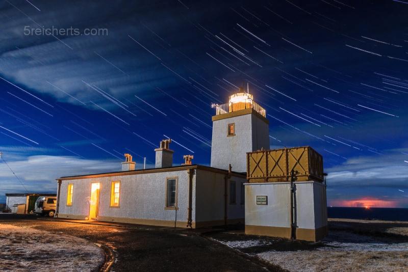 Eshaness Lighthouse und Sterne, April 2013, Shetland