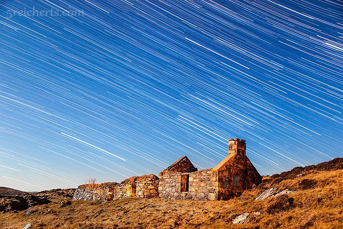Sternenbahnen auf der Isle of Lewis, Bild aus 94 Einzelbildern zusammengesetzt