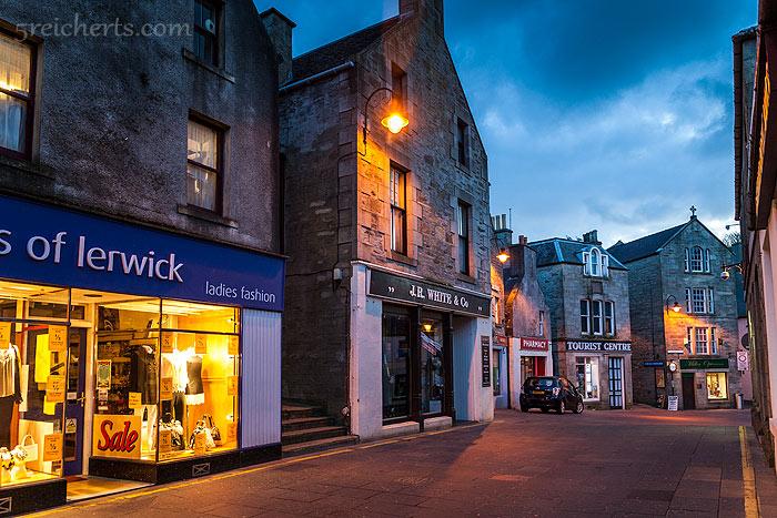 Lerwick am späten Abend