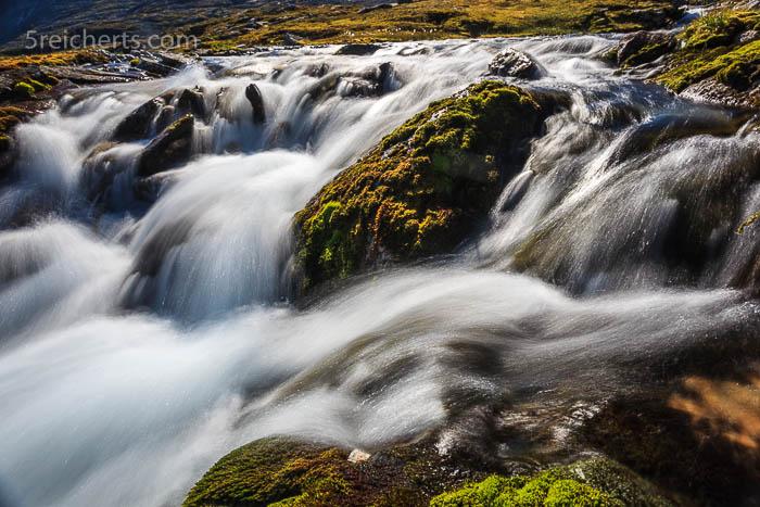 Bach auf dem Fjell