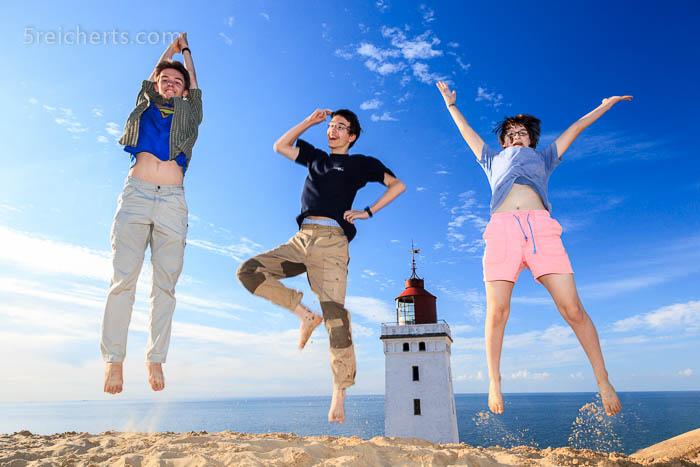 Kids am Leuchtturm