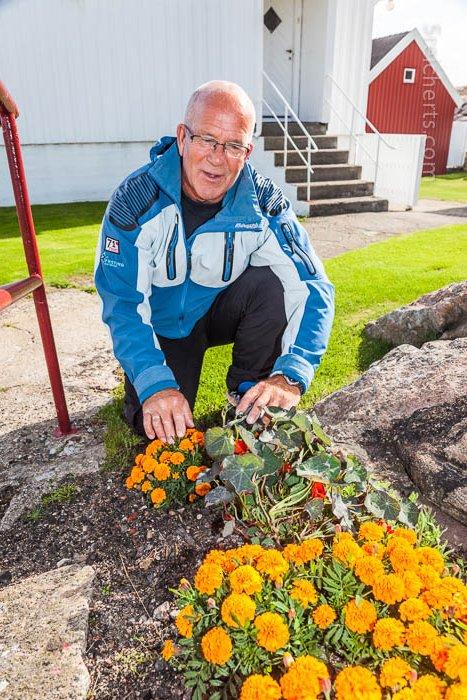 Rolf mit seinen Blumen