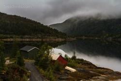 norwegische Landschaft im Regen
