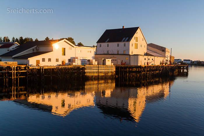 Fischfabrik auf der Insel