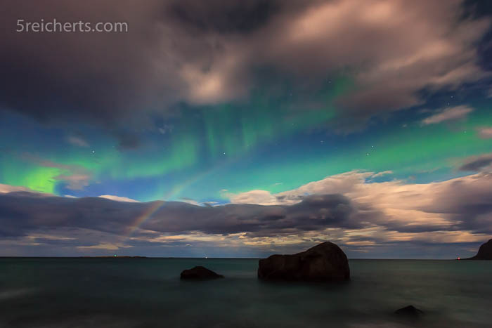Nordlicht und Regenbogen
