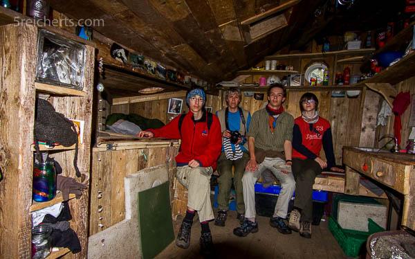 Wir in der Hütte